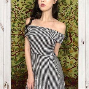 Dresses & Skirts - 🍄Beautiful Black & White Stripe Dress!🍄